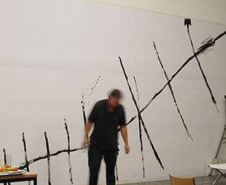 Matt Mullican. Sin título (Matt Mullican bajo hipnosis: Zürich). Performance, 2004