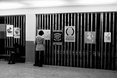 La escritura desbordada: poesía experimental española y latinoamericana, 1960-1980
