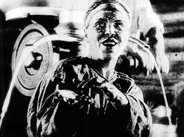 Sergei Eisenstein. Lo Viejo y lo Nuevo (La línea general) [General'naia liniia]. Película, 1929. Cortesía de Filmoteca Española