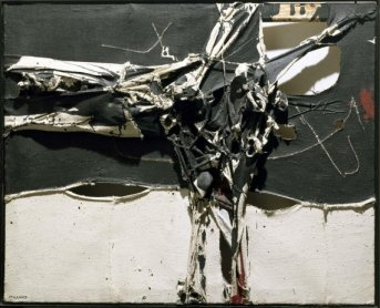 Manolo Millares. Cuadro 173, 1962. Técnica mixta sobre arpillera, 130 x 163 cm
