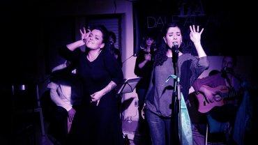 Actuación del grupo de música accesible Dale Al Aire