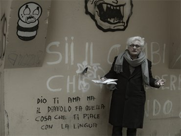 A shot from the film Comunismo futuro (Future Communism, 2017), by Andrea Gropplero and featuring Franco Berardi Bifo
