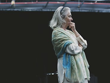 Joan La Barbara en la clase magistral Three Voices de Morton Feldman. La Monnaie de Munt, Bruselas, Bélgica, 27 de septiembre de 2015. Foto: © Camille Cooken