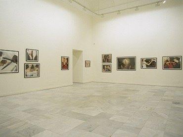 Vista de sala de la exposición. Jessica Craig-Martin. Los elementos del estilo, 2002