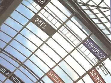 Exhibition view. Lawrence Weiner. Por sí mismo. Per se, 2001