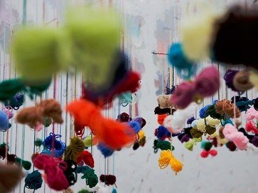 Installation process of the work Lanas (Yarns)  by Juan Hidalgo