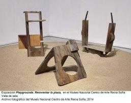 Vista de sala/gallery view de la exposición Playgrounds. Reinventar la plaza (imagen 2)