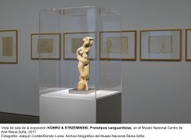 Vista de sala de la exposición de Kobro y Strzemiński.Prototipos vanguardistas