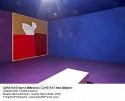 Vista de sala de la exposición de Constant, Nueva Babilonia