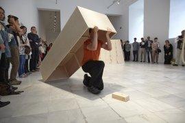 Performance de Simone Forti, Platforms, Museo Reina Sofía, 2013