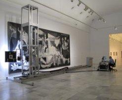 """""""Viaje al interior del Guernica"""": un estudio sin precedentes con la ayuda de un automatismo robotizado"""