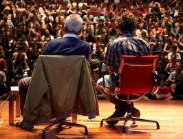 Michael Hardt (derecha) y Antonio Negri. Crisis y revoluciones posibles. Conferencia en el Museo Reina Sofía (octubre 2011)