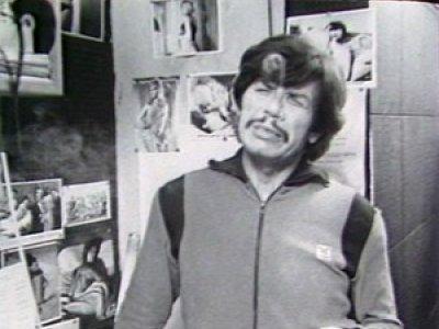 Carlos Flores. El Charles Bronson chileno o idénticamente igual. 16mm film, b/w, sound, 67'