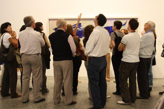Asistentes a la actividad. Museo Reina Sofía, 2004