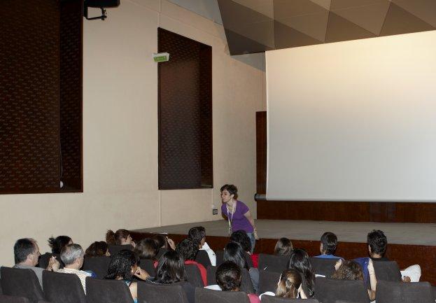 Debate posterior a la proyección. Museo Reina Sofía, 2009.