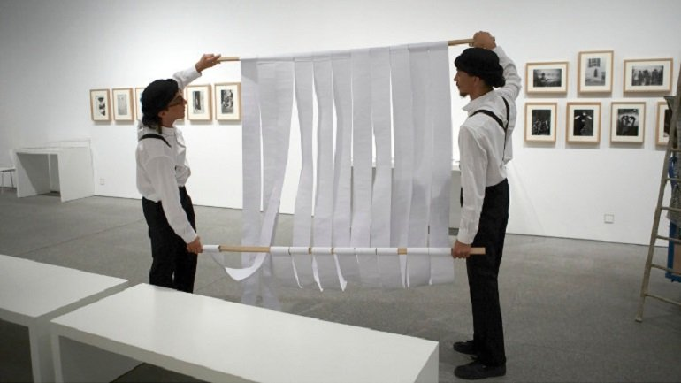 """Circus artists Dalí Bergamaschi and Jorge Jorge """"Coco"""" during Leap into the Void in room 417"""