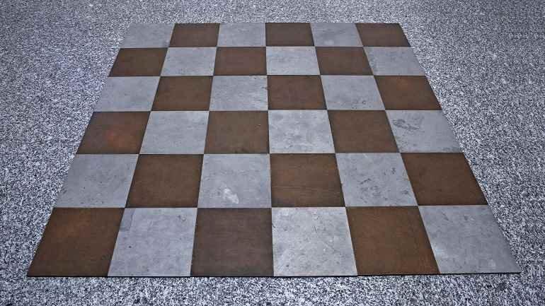 Carl Andre, Magnesium Copper Plain (Plano magnesio y cobre), 1969. Escultura. Colección Museo Nacional Centro de Arte Reina Sofía, Madrid
