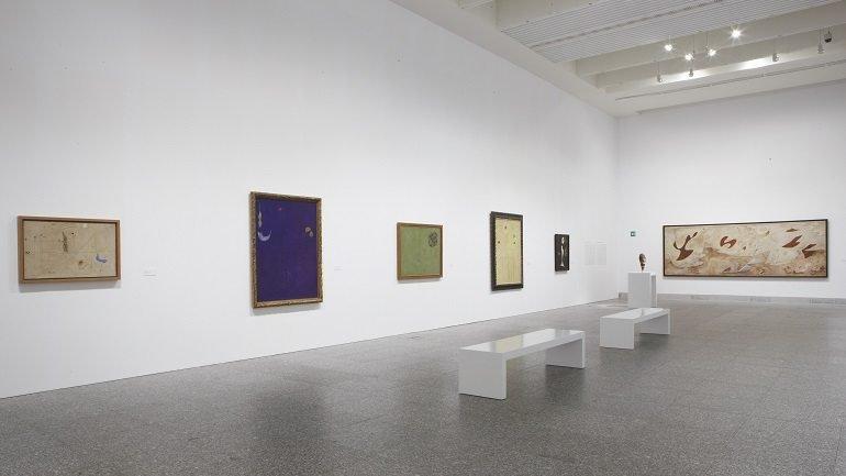 Vista de sala de la exposición La invención del siglo XX. Carl Einstein y las vanguardias, 2009