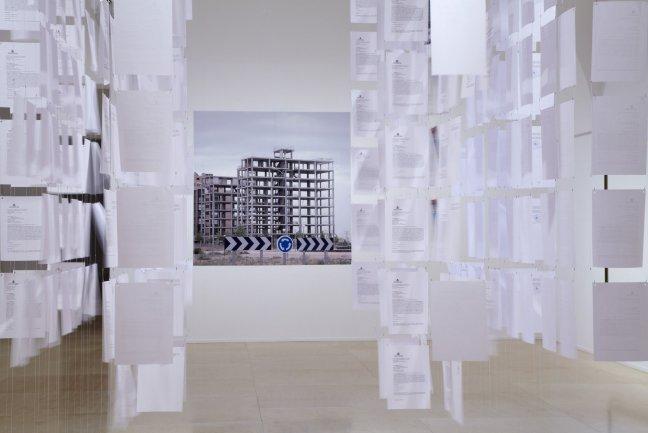 Hans Haacke. Castillos en el aire. Instalación, 2012