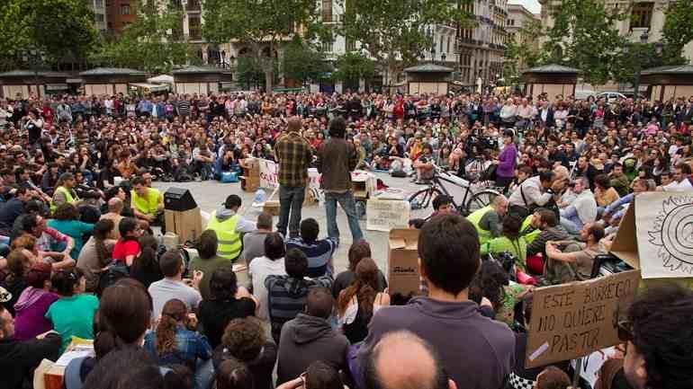Adolfo Senbra. Popular assembly in Valencia, 2011