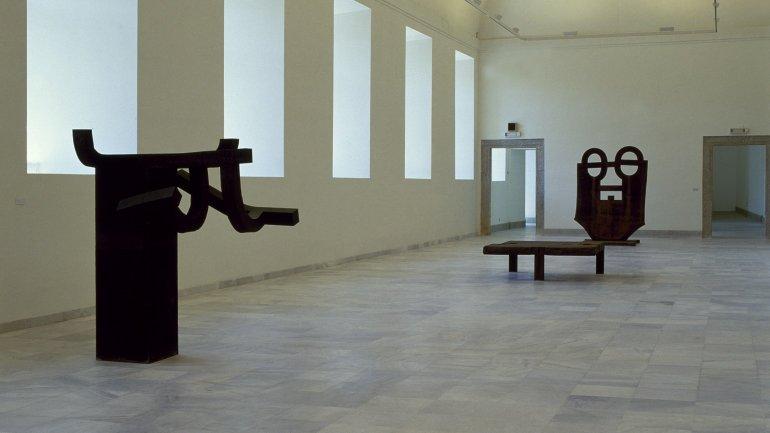 Exhibition view. Referencias: un encuentro artístico en el tiempo, 1986
