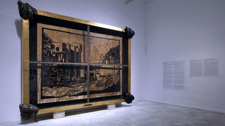 Vista de sala de la exposición NSK del Kapital al Capital. Neue Slowenische Kunst