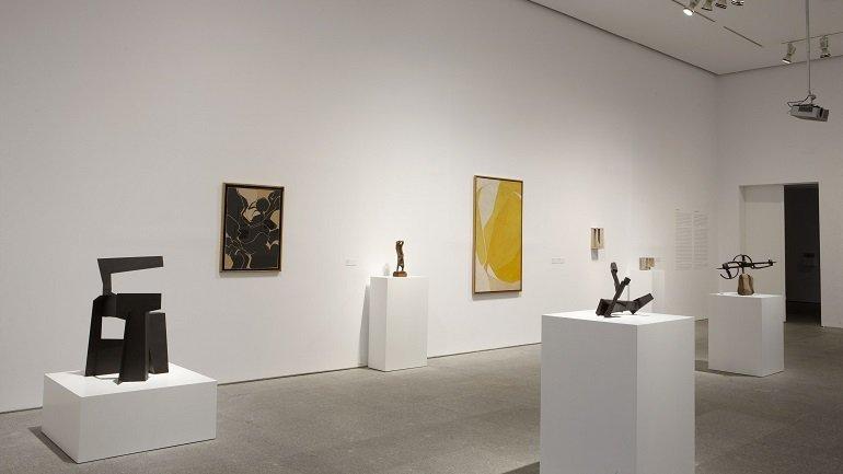 Vista de sala de la exposición. Encuentros de Pamplona 1972: Fin de fiesta del arte experimental, 2009