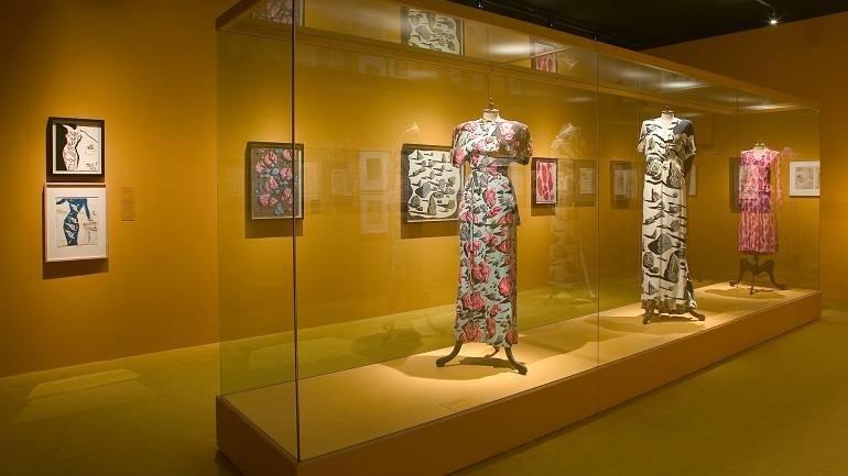 Exhibition view. Dalí. Cultura de masas, 2004