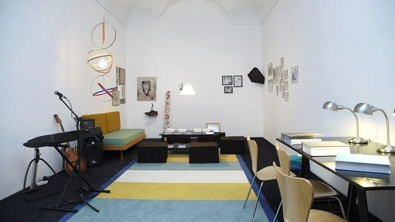Vista de sala de la exposición. Roberto Jacoby, el deseo nace del derrumbe, 2011