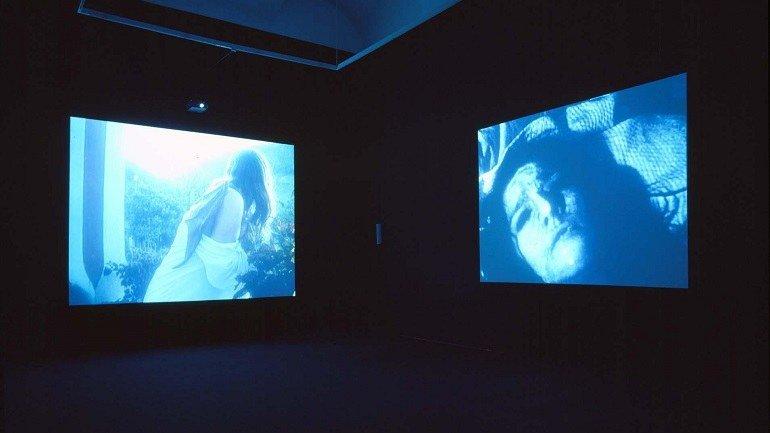 Exhibition view. Janaina Tschäpe. Sala de espera, 2001