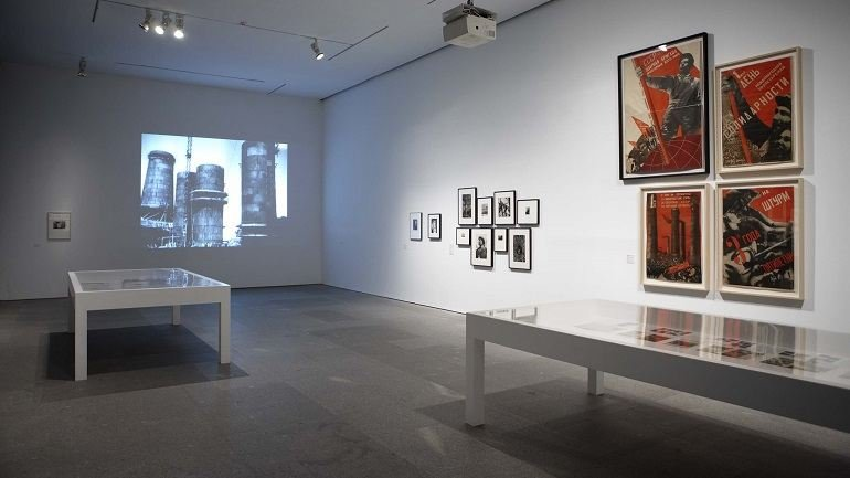 Exhibition view. A Hard, Merciless Light. The Worker Photography Movement, 1926-1939, 2011