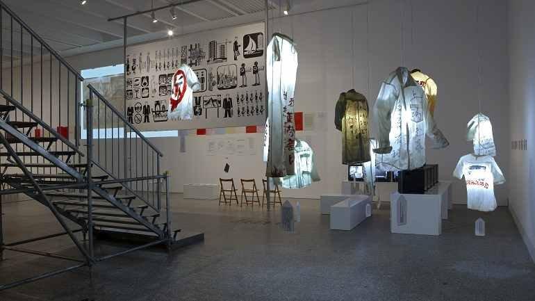 Vista de sala de la exposición. Principio Potosí. ¿Cómo podemos cantar el canto del Señor en tierra ajena?, 2010