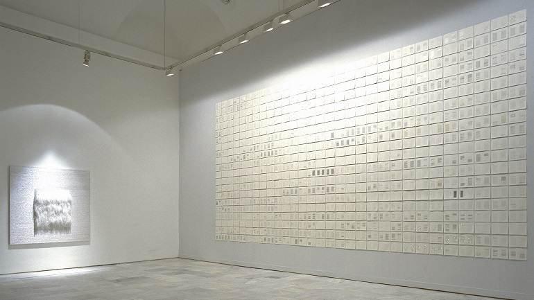 Vista de sala de la exposición. Elena del Rivero. Cinco cartas retenidas, una sexta inacabada, una séptima enviada, más una octava recibida, 1998