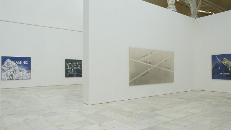 Vista de sala de la exposición. Edward Ruscha. Made in Los Angeles, 2002