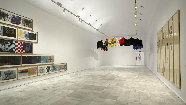 Vista de sala de la exposición. Nancy Spero. Disidanzas, 2008