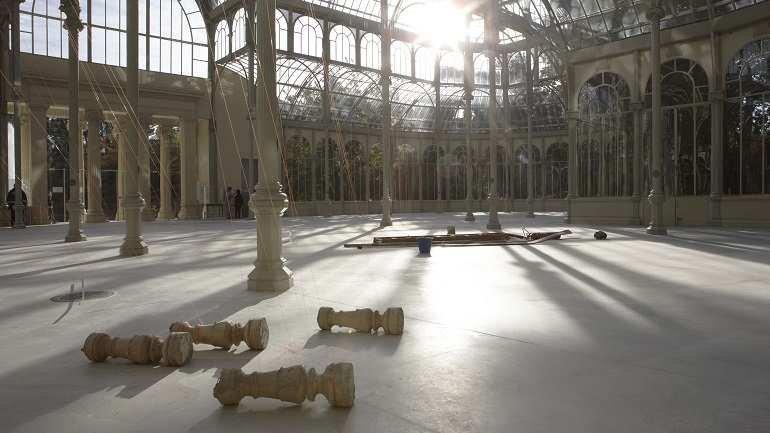 Exhibition view. Joëlle Tuerlinckx. Crystal Times. Reflexión sin sol/Proyecciones sin objeto, 2009