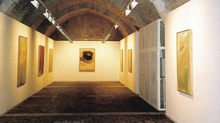 Vista de sala de la exposición. Esteban Vicente en Silos, 2001