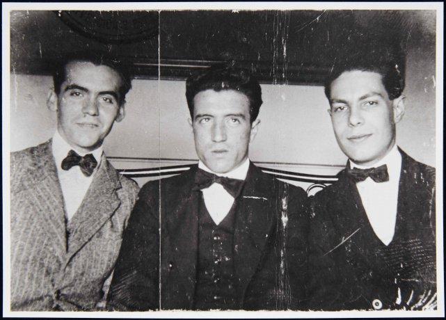 Fotografía de Manuel Ángeles Ortiz con Federico García Lorca y Manuel Bueno (1923). Archivo Manuel Ángeles Ortiz. Centro de Documentación